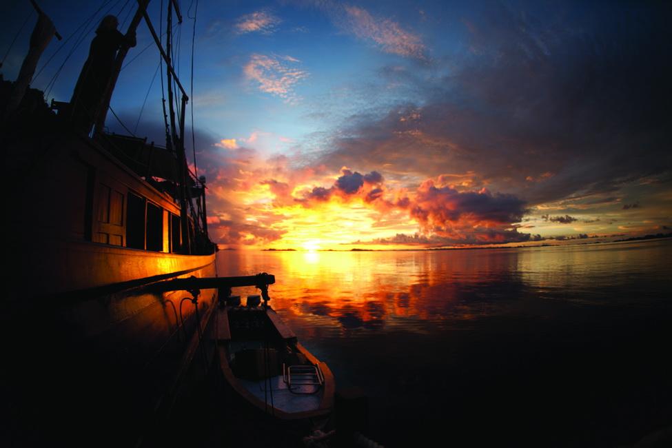 raja ampat shakti boat sunset